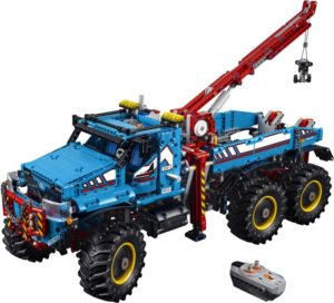 LEGO Technic 6x6 All Terrain Tow Truck (42070)
