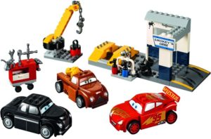 LEGO Juniors Smokey's Garage (10743)