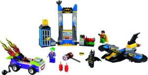 LEGO Juniors The Joker Batcave Attack (10753)